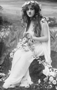 Mignon Nevada plays Ophelia in the operatic version of Hamlet, 1910.